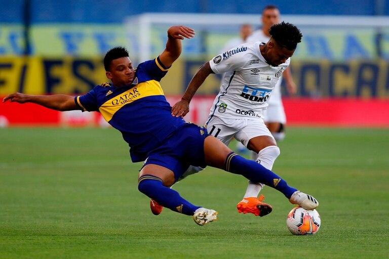 Fabra es uno de los favoritos de los hinchas, por entrega y capacidad de ataque, pero el desquite de la semifinal con Santos empeoró mucho su imagen, con un flojo desempeño y una expulsión inentendible.