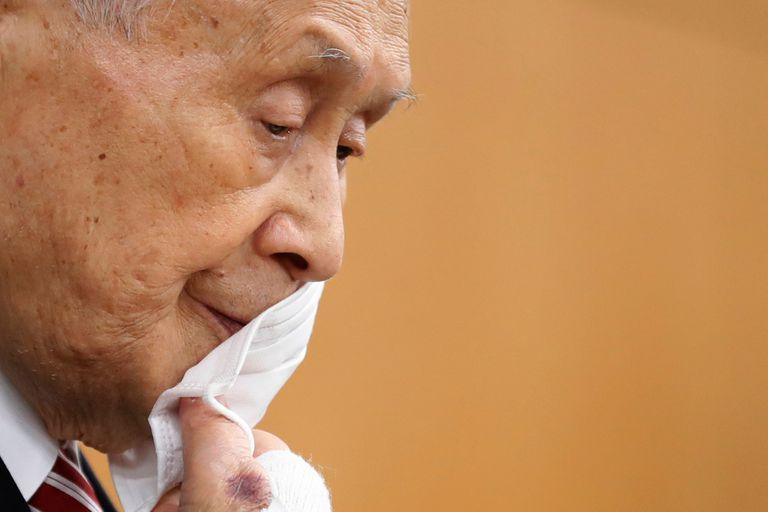 Yoshiro Mori, presidente del comité organizador de Tokio 2020, dijo que las mujeres hablan demasiado