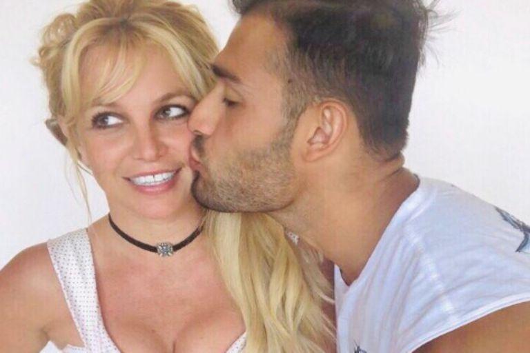 Britney Spears cumple años enamorada: quién es su novio y quiénes lo precedieron