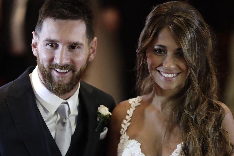 En su adolescencia, Antonela Roccuzzo debió atravesar una traumática experiencia; Lionel Messi volvió al país para acompañarla y su vínculo se afianzó