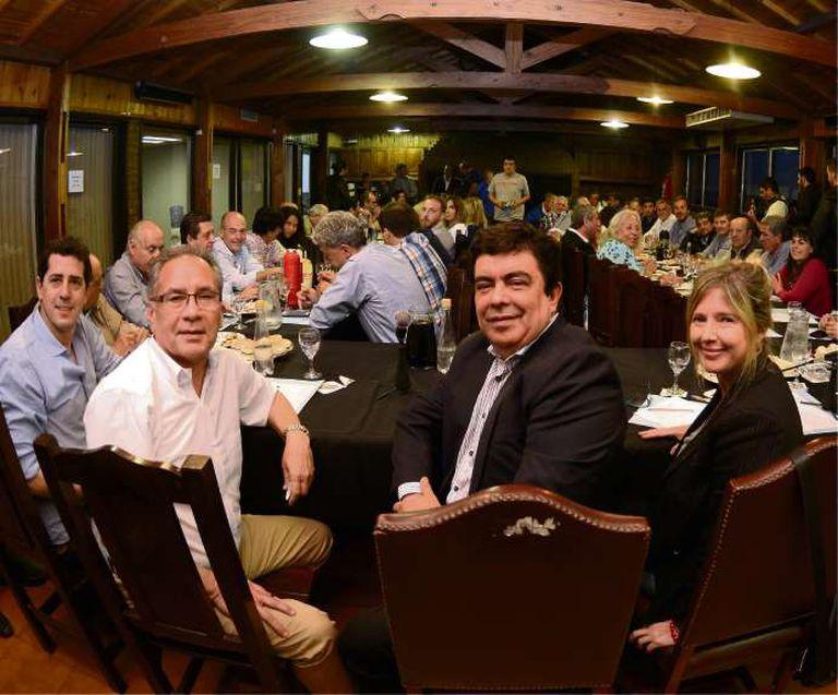 De Pedro, Descalzo, Espinoza y Álvarez Rodríguez, ayer, en la sede de Matheu 130