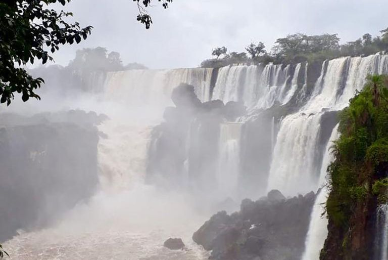 Las Cataratas del Iguazú ya están cerca de recuperar su caudal de agua habitual