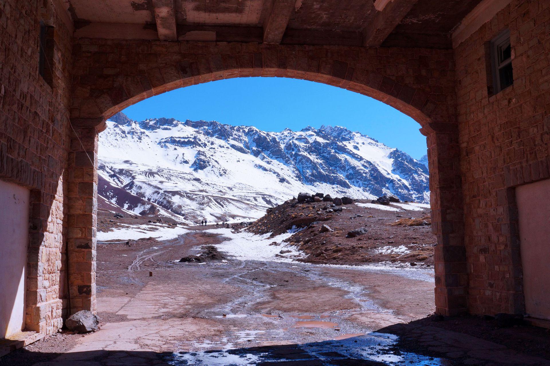 Montañas nevadas en Las Cuevas, Mendoza