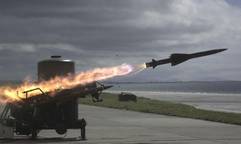Reino Unido lanzó misiles en Malvinas y provocó el repudio del Gobierno