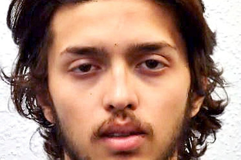 El agresor fue identificado como Sudesh Amman, de 20 años