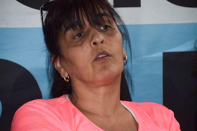 Karina Moyano, hija de Hugo Moyano, el líder del gremio de los camioneros, fue favorecida por el juez Federico Villena con la devolución irregular de casi medio millón de dólares y 600.000 pesos, de acuerdo con una denuncia presentada por dos fiscales