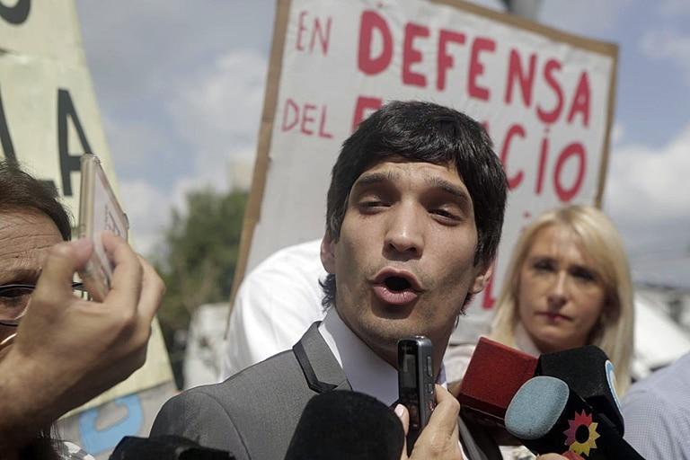 El abogado de A.VI.VI., Andrés Bonicalzi, realizó la denuncia esta mañana en la fiscalía de Saavedra