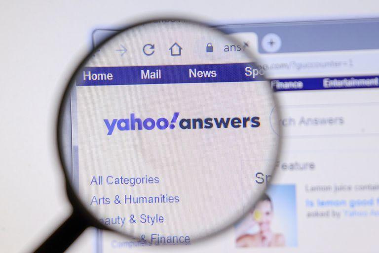 Yahoo Respuestas (en inglés, Yahoo Answers) es un sitio comunitario de preguntas y respuestas que funciona hace 16 años
