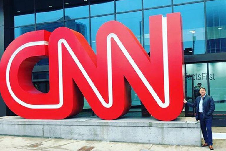 El periodista retrató su paso por las oficinas de CNN en Atlanta a través de las redes sociales