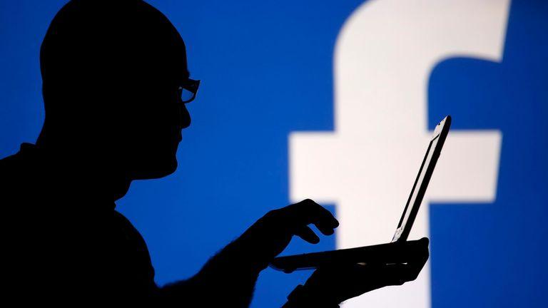 Según el gobierno de EEUU, Facebook es, junto a Twitter, una de las compañías acusadas de difundir propaganda y noticias falsas