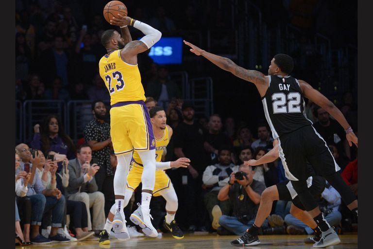 NBA. La bomba de LeBron James no le alcanzó a Los Lakers: una nueva derrota