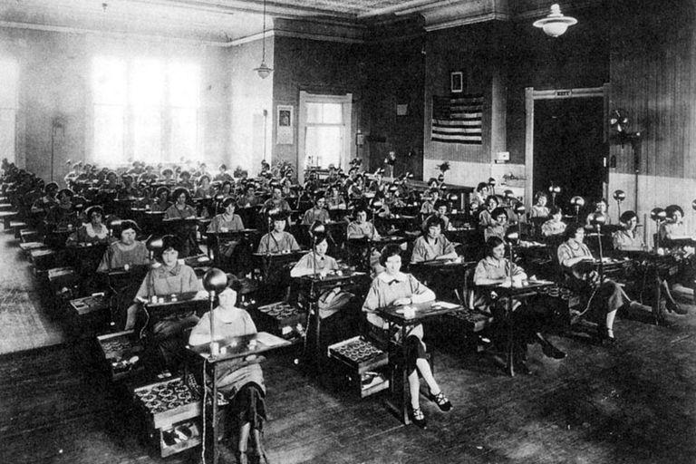 Las fábricas más importantes de las pintoras de esferas estaban en los estados de Illinois, Connecticut y Nueva Jersey