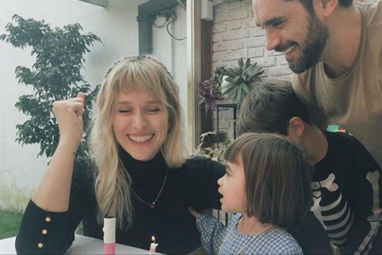 La foto de cumpleaños de Brenda Gandini que se viralizó por un curioso detalle