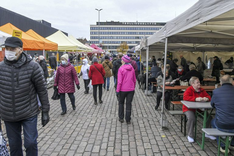 Finlandia: el gobierno retiró el plan de restricciones tras un debate legal