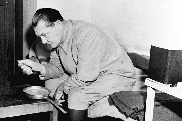 """El doctor Dimsdale describe a Göring como """"un hombre disoluto con un gusto por el lujo y el robo"""""""