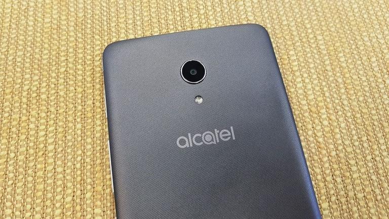 El Alcatel A3 XL tiene una modesta cámara trasera de 13 megapixeles
