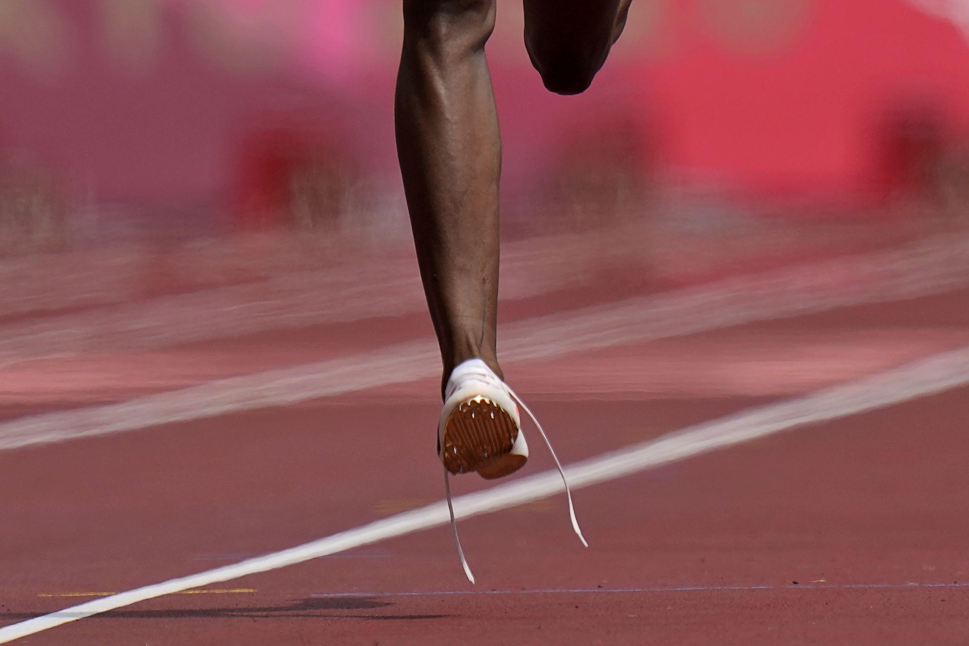 Shaunae Miller-Uibo, de Bahamas, en los 200 metros femeninos