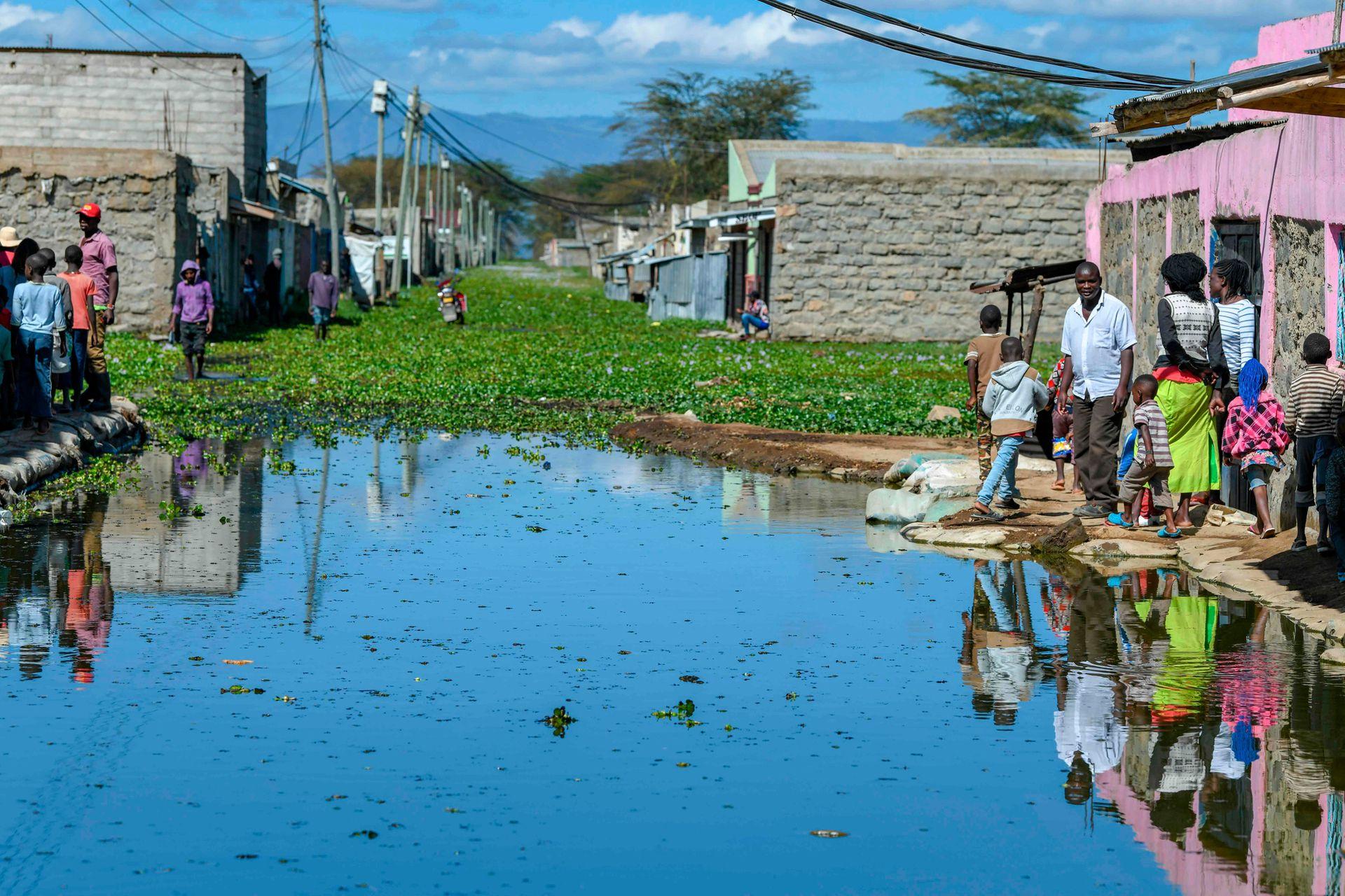 Desaparecen pueblos en Kenia por la crecida de los lagos