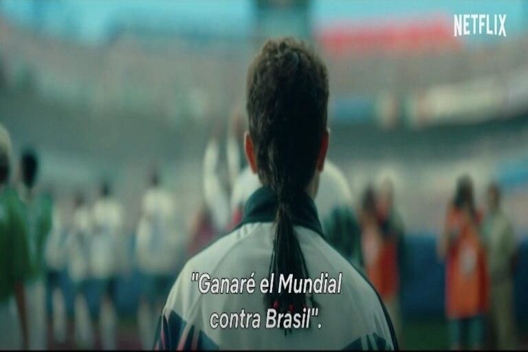 """Captura de pantalla de un fotograma de la serie """"El Divino"""", que cuenta la vida deportiva y personal de Roberto Baggio, y que se estrena en Netflix el 26 de mayo."""