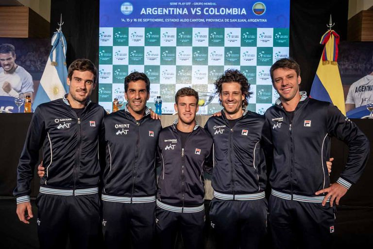 El equipo argentino, listo para la serie con Colombia por la Copa Davis: Pella, González, Schwartzman, Gaudio (capitán) y Zeballos