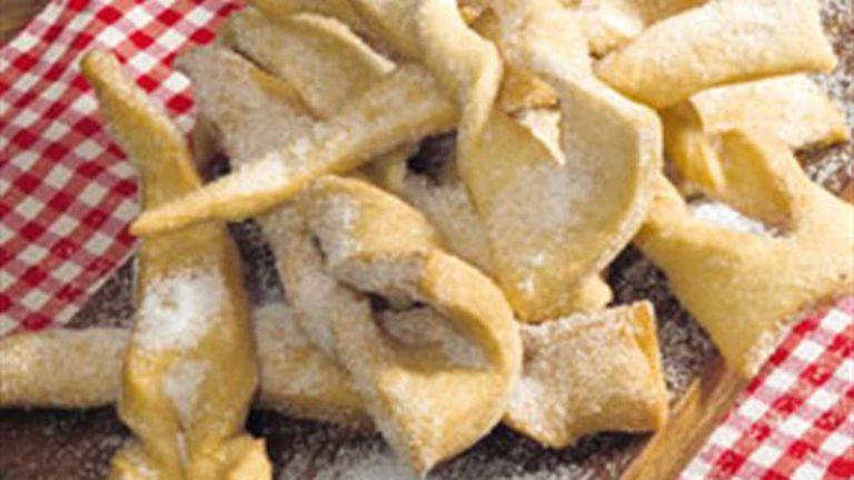 Cómo hacer tortas fritas con forma de triángulo
