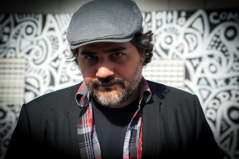 No hay aplausos ni shows en los balcones en Miami, cuenta Hernán Vera Álvarez, escritor y periodista argentino, que vive en Florida desde el año 2000