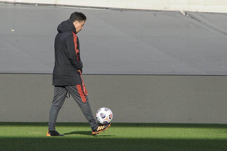 Entre convocatorias y lesiones, Gallardo tiene en mente un equipo para recibir a Independiente
