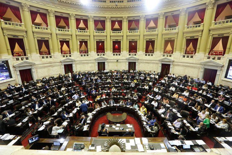 Vista del recinto antes de la votación de la ley