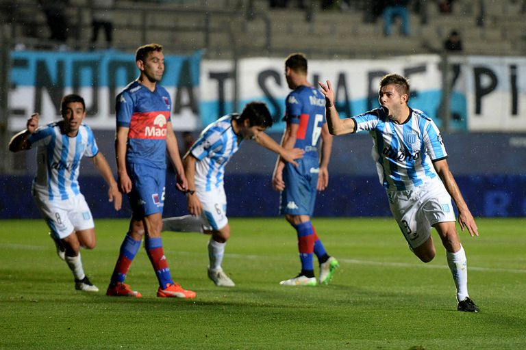 Racing festejó ante Tigre y pasó a octavos de la Copa Argentina