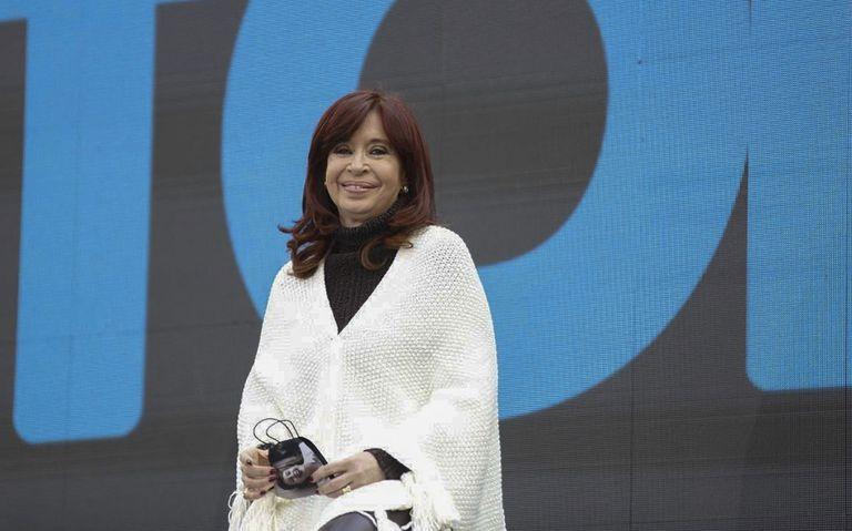 Cristina Fernández de Kirchner en el plenario en el Estadio Único de La Plata para delinear los ejes de la campaña electoral del Frente de Todos