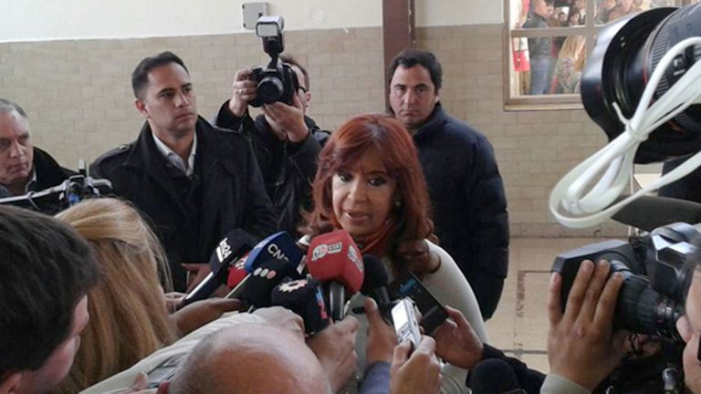 Cristina Kirchner habló con la prensa después de votar