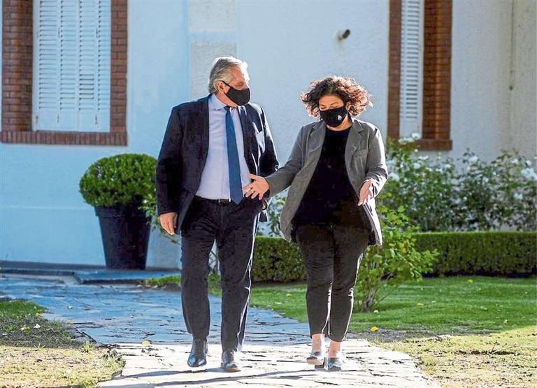 Alberto Fernández y la ministra Carla Vizzotti en Olivos