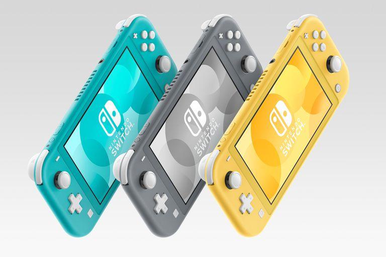 La Nintendo Switch Lite tiene una pantalla levemente más chica que la Switch original, y carece de controles desmontables