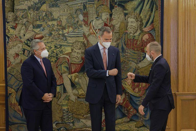 ALberto Fernández, el Rey Felipe VI y Guzmán