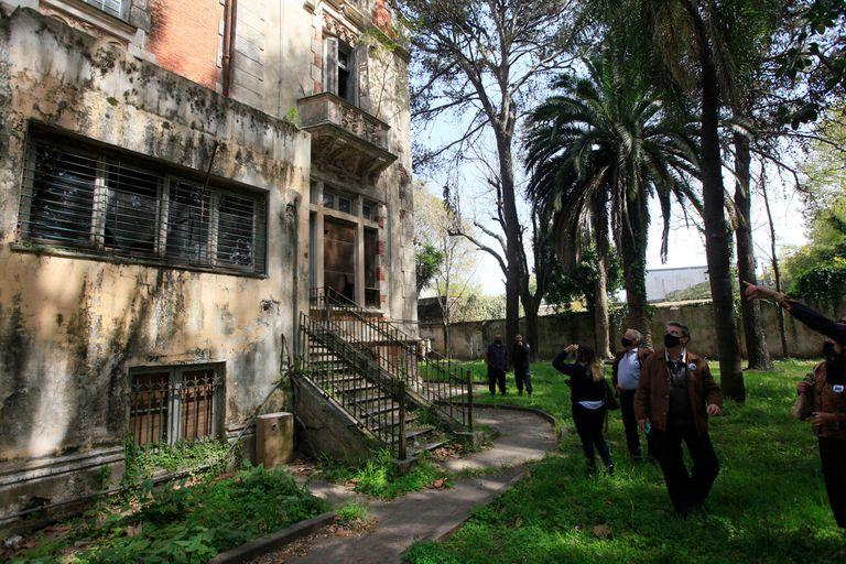 El palacio tiene ocho plantas, cinco escaleras y 20 habitaciones