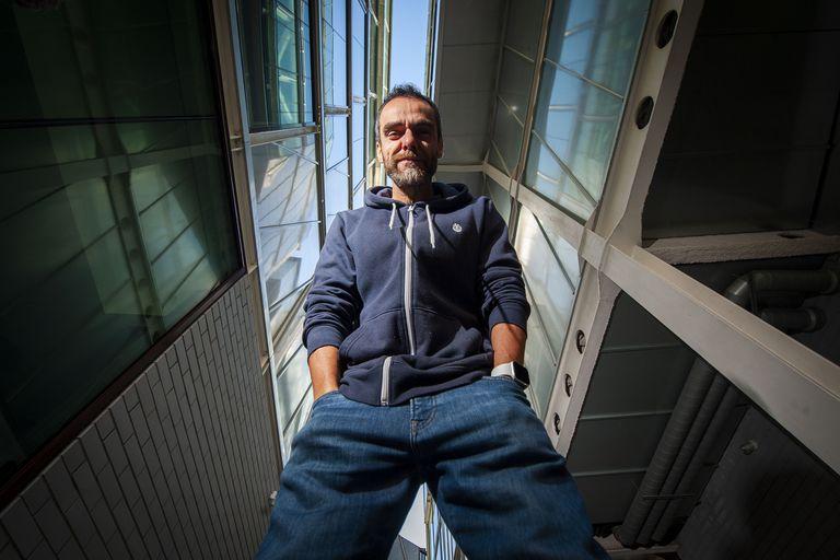 Youtuber: ganó un millón de euros en una semana con su curso de posicionamiento en Google