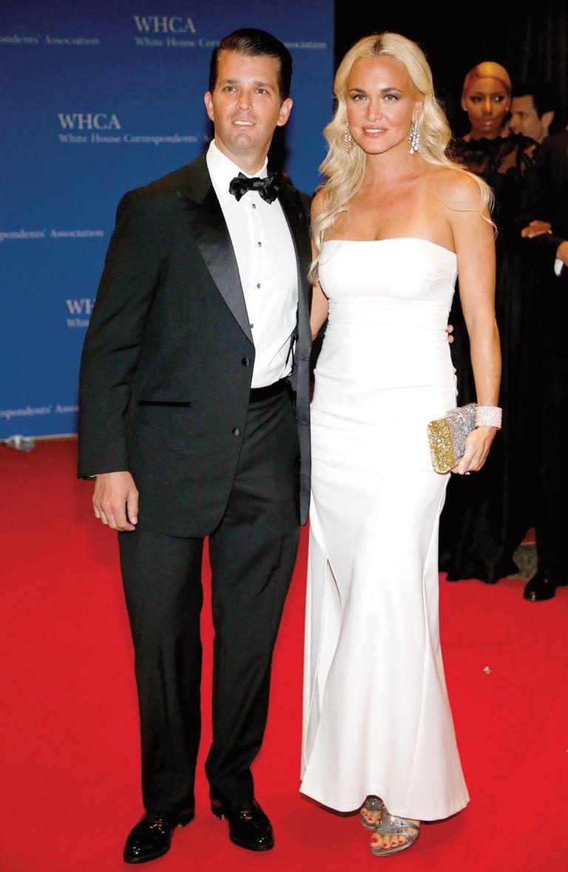 Los cronistas en la Casa Blanca aseguran que su relación con su cuñada, Ivanka Trump, es muy tensa. Derecha: una imagen de Donald Jr. con su ex mujer, Vanessa Haydon.