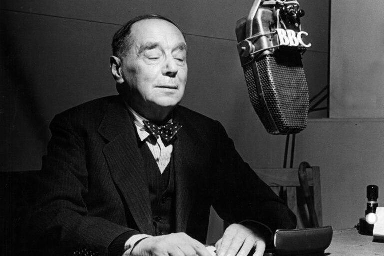De la bomba atómica al rayo láser: las predicciones del escritor H.G. Wells que se cumplieron