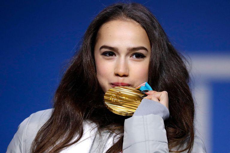La jovencita rusa con su oro