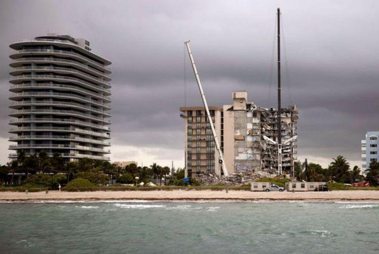 Champlain Towers queda cerca del límite norte de Miami Beach.