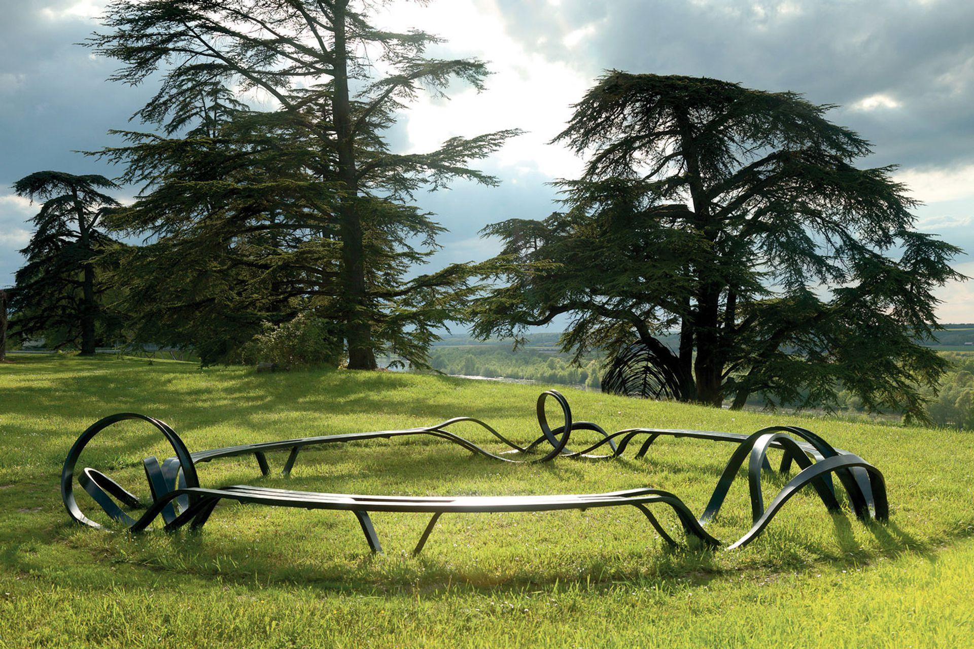 """""""Banco Circular"""" emplazado en los terrenos de Chaumont-sur-Loire, donde se realiza el famoso festival de jardines en Francia."""