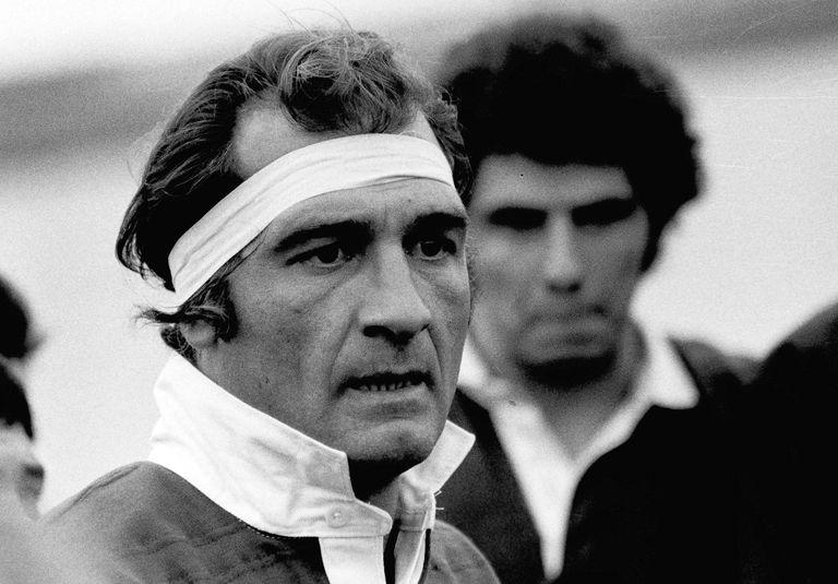 Héctor Pochola Silva, símbolo de los Pumas en los 70, durante un partido ante Chile el 9 de julio de 1979