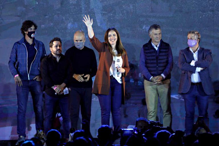 En la oposición, se consolidó el liderazgo de Horacio Rodríguez Larreta con los triunfos de Diego Santilli en la provincia de Buenos Aires y de María Eugenia Vidal en la Capital.