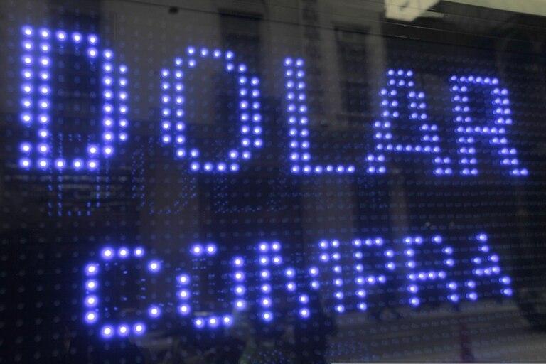 Dólar hoy: cuál es el precio en pesos argentinos el 1 de Marzo