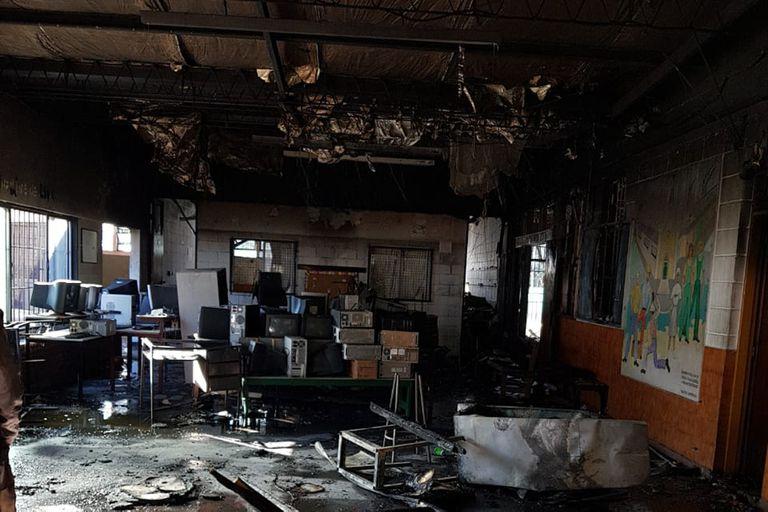 Una de las aulas quemadas por los dos adolescentes