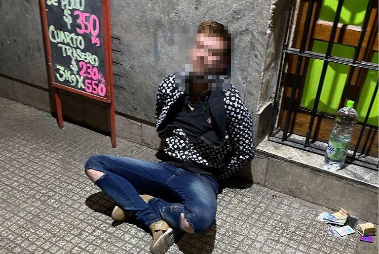 Detienen a un hombre que atacó a su exmujer en la calle y atropelló a un policía que intentó defenderla