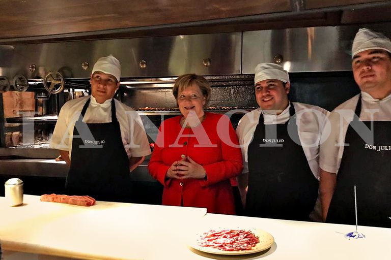"""""""Parecía que estaban los Rolling Stones"""": la intimidad de la cena de Merkel en una parrilla porteña"""