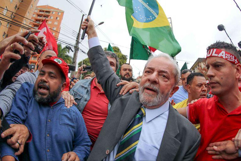 La Corte Suprema votó una resolución que podría invalidar cientos de causas, incluida la del expresidente Lula, por fallas de procedimiento