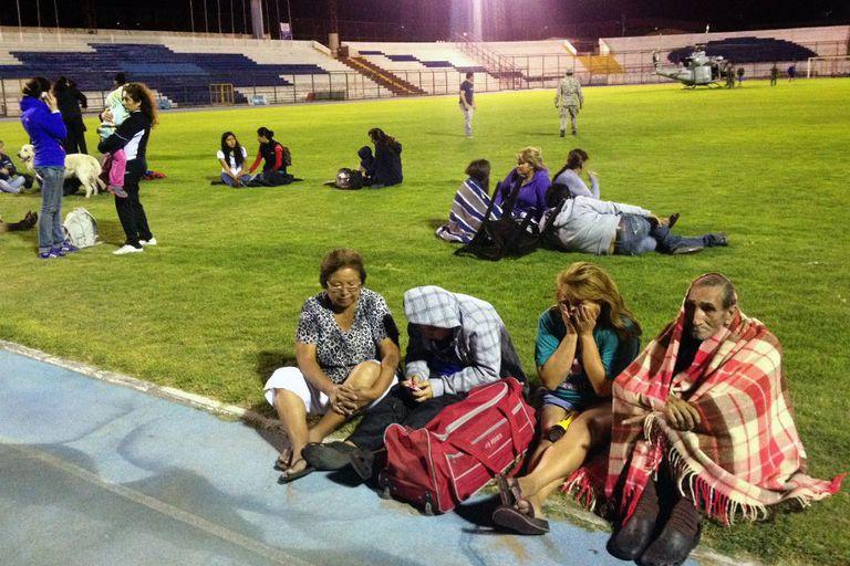 En Iquique, los ciudadanos se refugiaban en un estadio