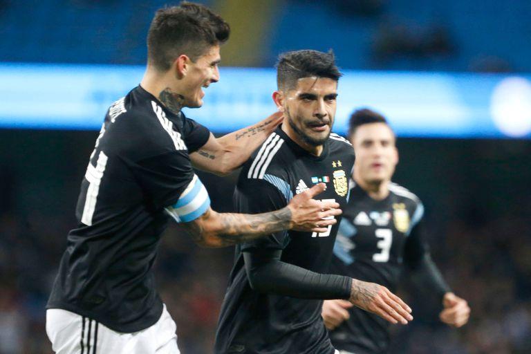 Argentina le ganó 2-0 a Italia con goles de Banega y Lanzini